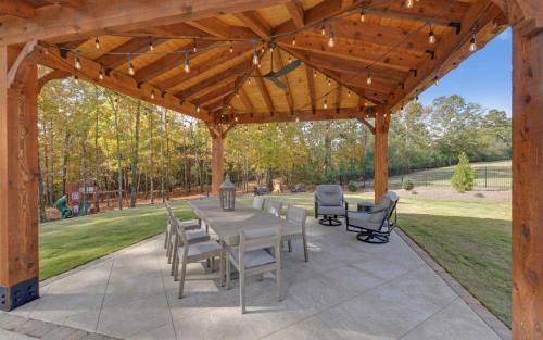 CUSTOM HOME BUILD-print-047-043-Gazebo-3200x2000-300dpi