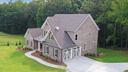 Traditional in The Retreat Exterior (Custom Home Builder Gainesville Georgia) (8)