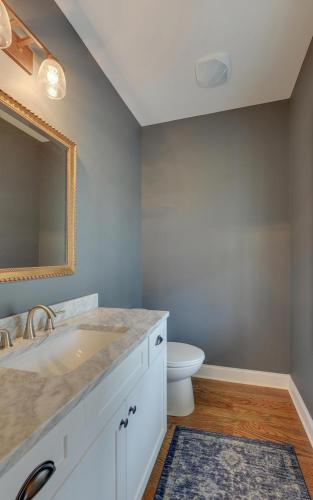 FARMHOUSE-large-008-005-Powder Room-625x1000-72dpi
