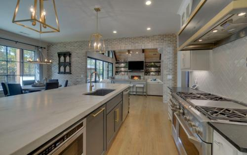 CUSTOM HOME BUILD-print-016-015-Kitchen-3200x2000-300dpi