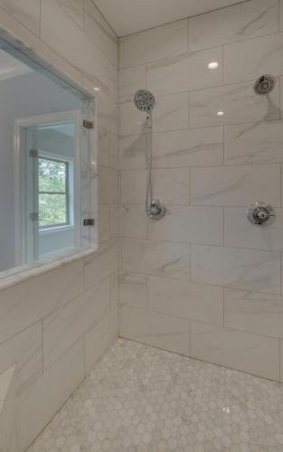 Jefferson Custom Master Bathroom (Custom Home Builder Gainesville Georgia) (5)