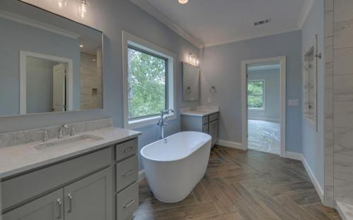 Jefferson Custom Master Bathroom (Custom Home Builder Gainesville Georgia) (7)