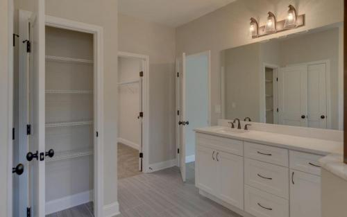 Modern Custom Farmhouse Master Bathroom (Gainesville Georgia New Home Builder) (2)