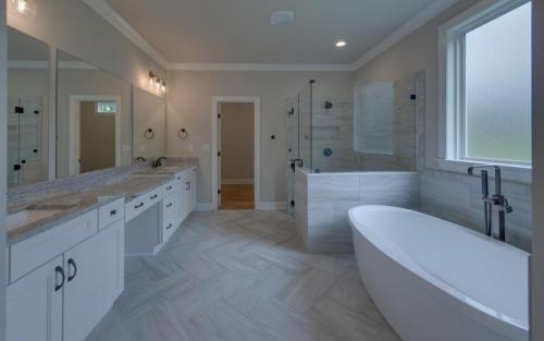 Traditional in The Retreat Master Bath (Custom Home Builder Gainesville Georgia)