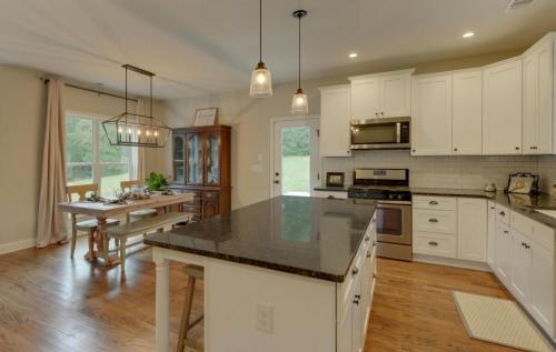 Modern Farmhouse   Build On Your Lot   Your Dream Home